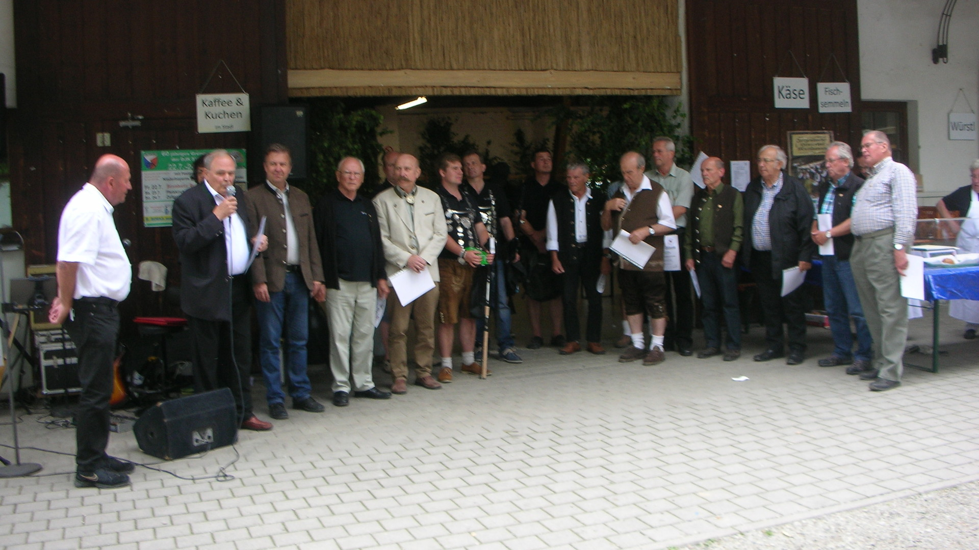 2. Vorsitzender Hans Lindenthaler, FVN-Präsident Dietmar Franzke, Bgm. Helmut Maier, Ehrenvorsitzender Karl Blechinger und alle weiter oben genannten Ehrengäste und Preisträger.